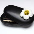 Blossom Pebble Box (Black-White)