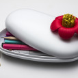Blossom Pebble Box (White-Red)